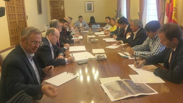 Reunión de la Comisión de Seguimiento de las obras del Abastecimiento a Ávila desde el Embalse de las Cogotas.