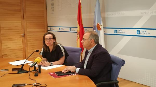 Reunión entre la conselleira de Infraestruturas, Ethel Vázquez, y el alcalde de Santiago, Xosé Sánchez Bugallo, para hablar sobre la intermodal