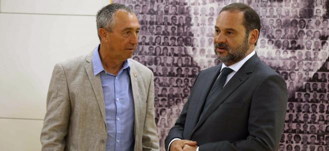 Joan Baldoví y José Luis Ábalos.