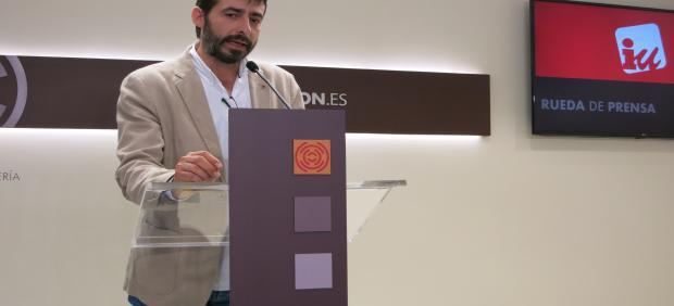 El portavoz de IU, Álvaro Sanz.