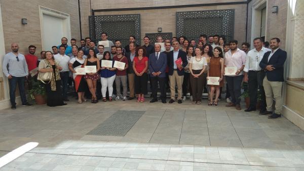 Alumnos del programa PICE en la Diputación de Huelva.