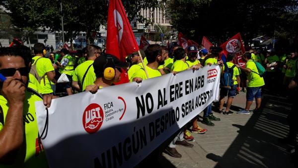 Los trabajadores de ABB en la manifestación en Madrid.