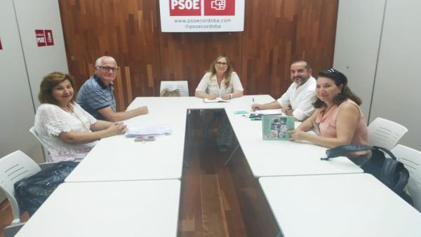 Sindicalistas de UGT reunidos con María Ángeles Luna en la sede del PSOE de Córdoba