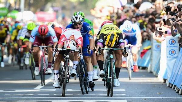 Caleb Ewan gana al sprint la undécima etapa del Tour en Toulouse