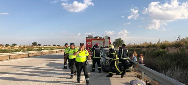 Un acccidente múltiple a la altura de La Roda con cuatro coches y dos camiones implicados se salda con varios heridos de carácter leve
