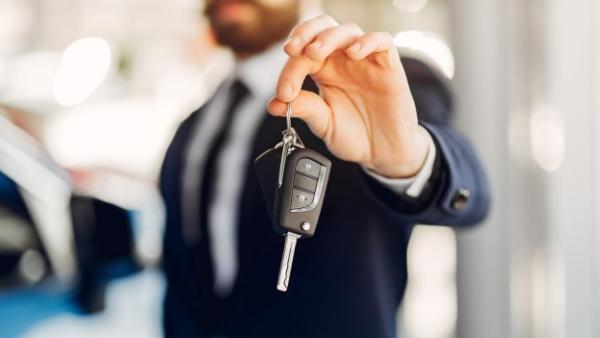Quiero vender mi coche: ¿qué pasos tengo que seguir?