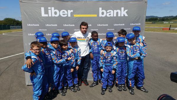 El piloto Fernando Alonso en Llanera.