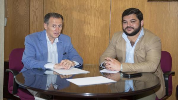 Miguel Rodríguez y José María Román en representación de la Junta de Andalucía y la Diputación de Cádiz respectivamente