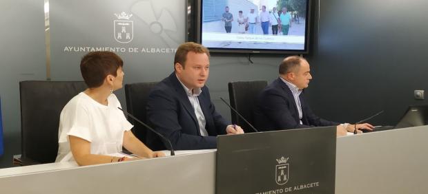 Rueda de prensa para hablar del concejal de distrito en Albacete.