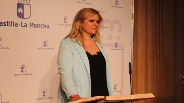 Toma de posesión de la nueva delegada de la Junta en Cuenca, María Ángeles García.