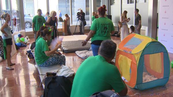 La PAH ocupa el Ayuntamiento de Barcelona para exigir realojos dignos
