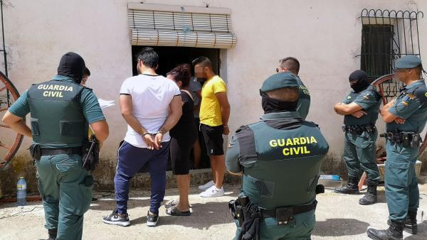 La Guardia Civil detiene a dos hermanos por el secuestro y la agresión a un vecino de Blanca