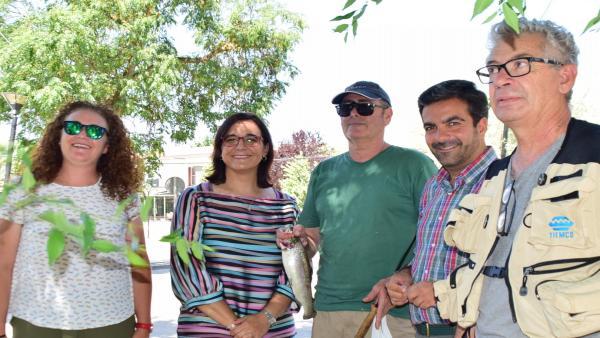 La Junta entrega al Ayuntamiento de Loja la gestión del coto de pesca de Riofrío