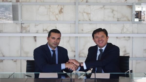 Bankia firma un acuerdo con la Fundación CB Granada para apoyar a la cantera