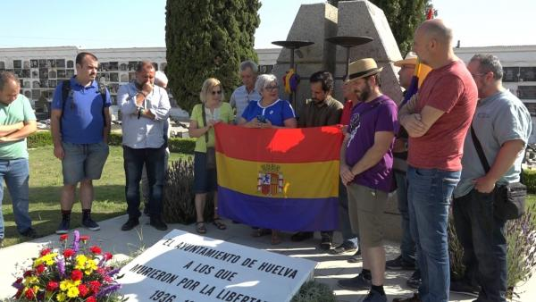 Los integrantes del grupo municipal de Adelante Andalucía, Mónica Rossi y Jesús Amador.