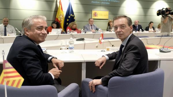 Germán Barrios (D) junto a Mariano Gredilla (I) en la Sectorial de Empleo