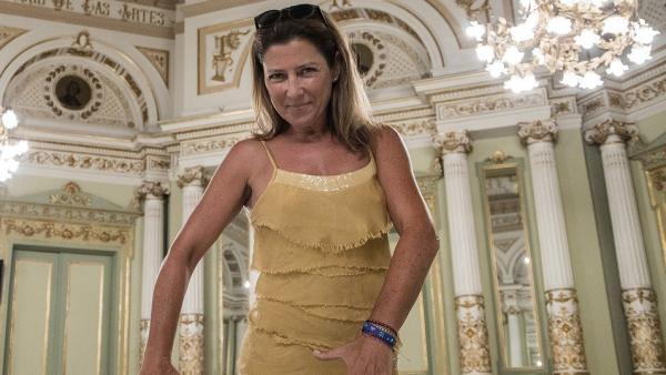 La bailaora andaluza Sara Baras en el salón de los espejos (saló dels miralls) del Gran Teatre del Liceu de Barcelona.