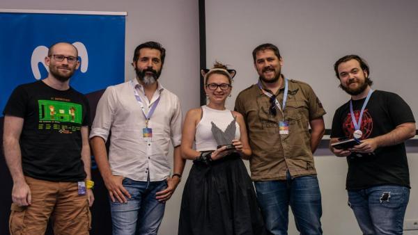 Fire Cycle Games recibe el premio en TLP Tenerife por el videojuego Blacksmith