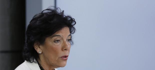 La portavoz del Gobierno, Isabel Celáa.