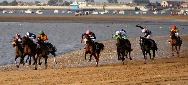 Carreras de caballos en la playa de Sanlúcar de Barrameda