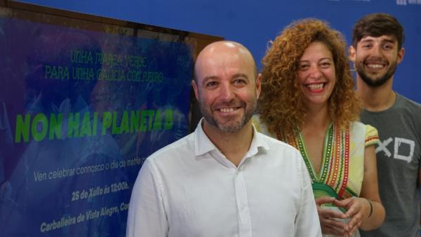 El portavoz de En Marea, Luís Villares, y los miembros de la coordinadora Ana Seijas y Adrián Dios en la presentación de los actos del Día de Galicia