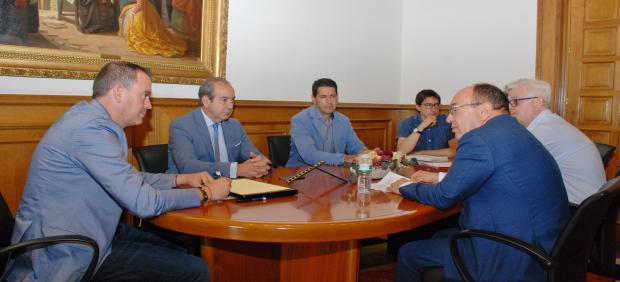 Reunión entre la Diputación de Zamora y la Cámara de Comercio.
