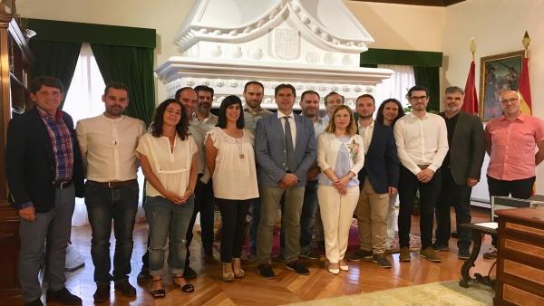 Los miembros del proyecto GEFRECON, de gestión forestal conjunta y perteneciente al Programa POCTEP de cooperación España-Portugal, han sido recibidos en la Diputación de Ávila. Foto: Diputación Ávila.