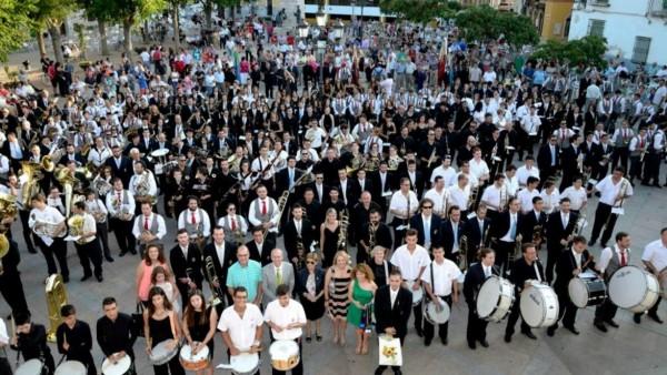 Los músicos participantes del certamen.
