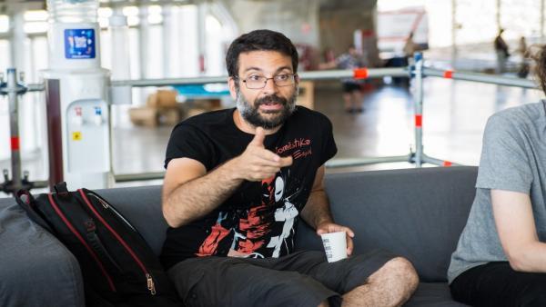 El dibujante de Marvel Salva Espín participa en un encuentro con medios en TLP Tenerife
