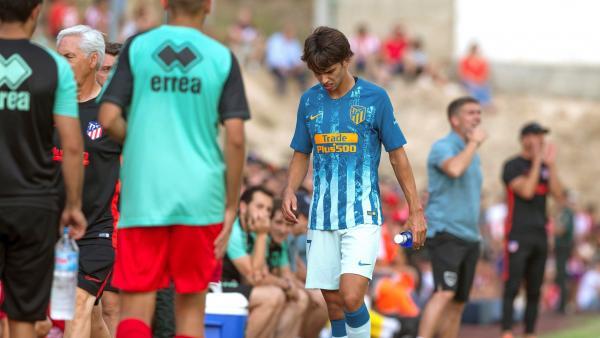 Joao Félix se retira lesionado en su debut con el Atlético de Madrid