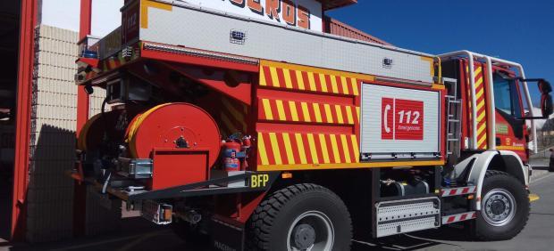 Córdoba.- Sucesos.- Tres atendidos tras el incendio de una vivienda en la Avenida Ronda de los Tejares