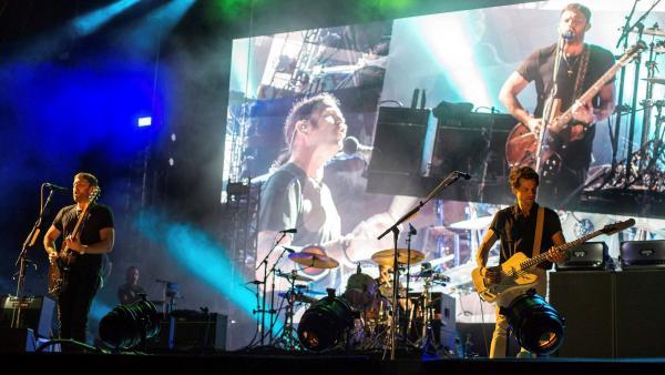 La banda estadounidense Kings of Leon durante su actuación en el FIB