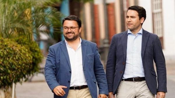 El presidente del PP de Canarias, Asier Antona, junto al secretario general del PP, Teodoro García Egea