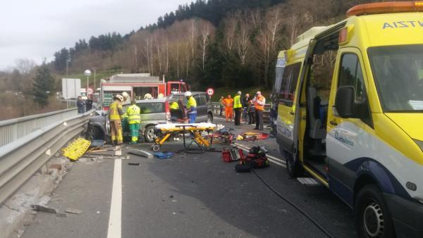 Accidente de tráfico en Balmaseda (Bizkaia)