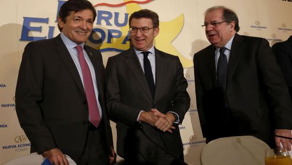 Javier Fernández, Alberto Núñez Feijóo y Juan Vicente Herrera en un desayuno informativo en Madrid
