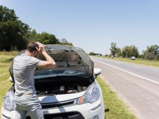 Siete elementos del coche que debes revisar para no quedarte tirado en carretera