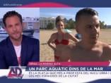 Joan López, presentador de 'À punt directe', lanza un corte a un bañista madrileño que se quejaba de la playa