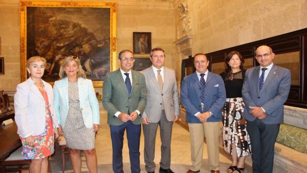 [Sevilla] Nota De Prensa Y Foto Acuerdo Ayuntamiento Us