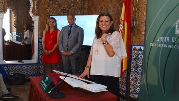 Castillo toma posesión de cargo como delegada de Educación