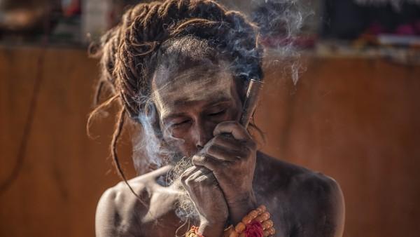 Chilum, la pipa de los 'sadhus'