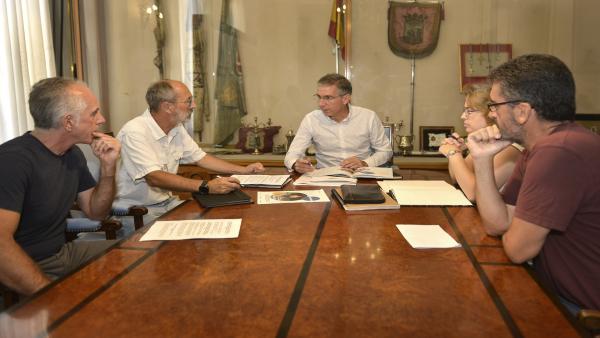El concejal de Movilidad Sostenible, César Díaz, se reúne con la asociación Cantabria ConBici