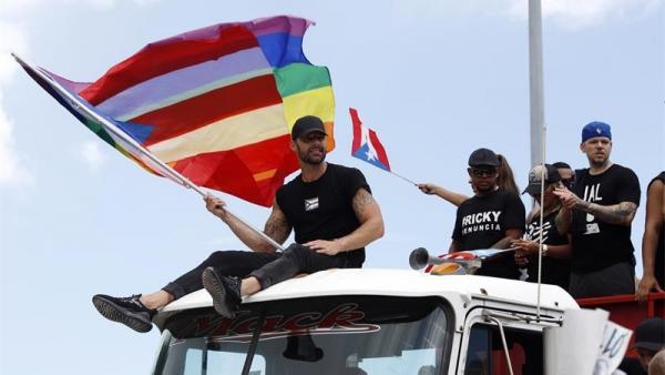 Artistas y manifestantes protestan contra el gobernador de Puerto Rico