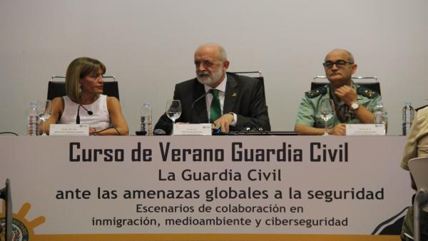 El director general de la Guardia Civil, Félix Azón, inaugura el curso de verano de la Guardia Civil en Tenerife