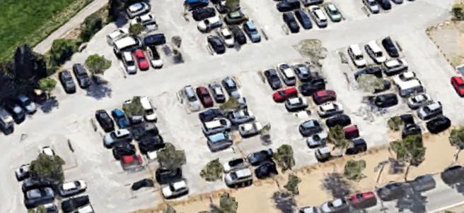 Vista aérea del aparcamiento en superficie del Hospital Santa Maria de Lleida.