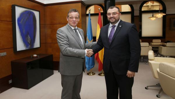Marcelino Marcos Líndez y Adrián Barbón