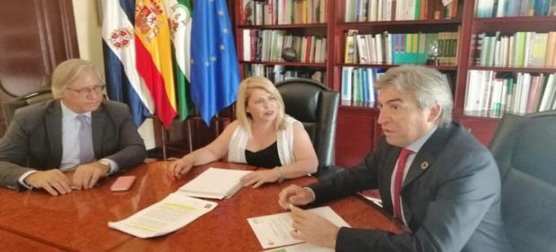 Lucrecio Fernández con la alcaldesa de Jerez