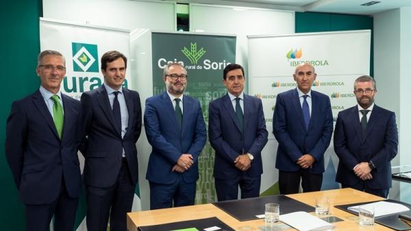 Firma del acuerdo entre Iberdrola y Caja Rural de Soria