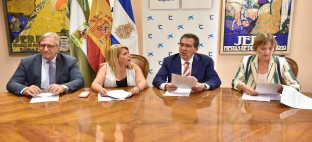 Firma acuerdo Ayuntamiento de Jerez, cajasol y Caixa