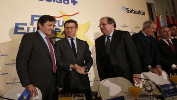Javier Fernández, Alberto Nuñez Feijóo y Juan Vicente Herrera en un desayuno informativo en Madrid