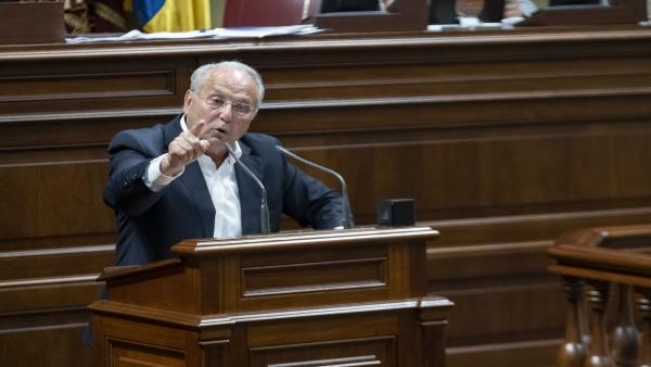 El presidente del PNC, Juan Manuel García Ramos, en un Pleno del Parlamento
